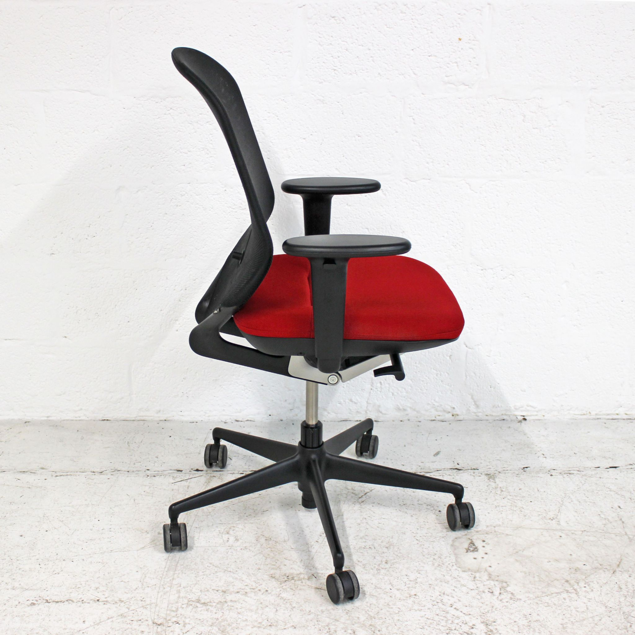 Vitra Medapal Vitra Medapal Red Mesh Back Computer Chair Red Task Chair